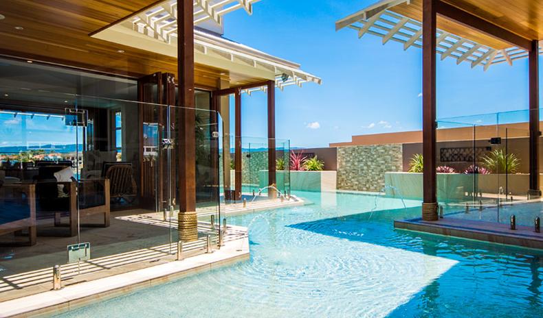 Residential Wrap Around Infinity Pool